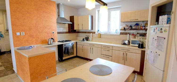 Exkluzívne u nás: Priestranný 3i byt v novej nadstavbe postavený 2007