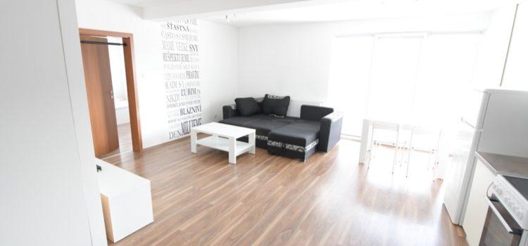 PRENAJATÝ: Moderný 2i byt s parkingom – úplne nový – zariadený – Žilina – centrum